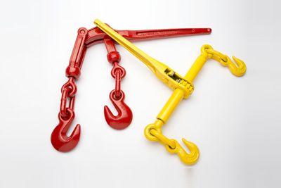 Натяжители цепи по типу A (желтый) и C (красный)